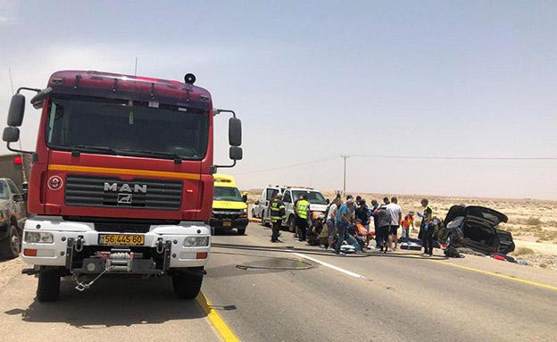 זירת התאונה (צילום: דוברות כבאות והצלה נגב מזרחי, חדשות)