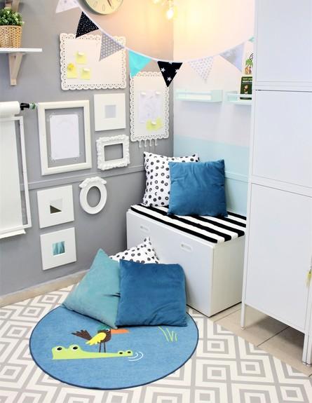 לינוליאום 9, ג, תחליף לשטיח בחדר של יועצת בית הספר,עיצוב אורית לוי