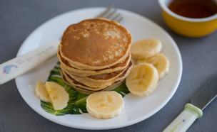 """פנקייק בננה וגבינה (צילום: עידית נרקיס כ""""ץ, אוכל טוב)"""