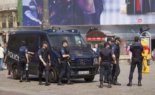 שוטרים בספרד (צילום: shutterstock)