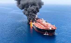 מכליות נפט נפגעו במפרץ, החודש (צילום: AP, חדשות)