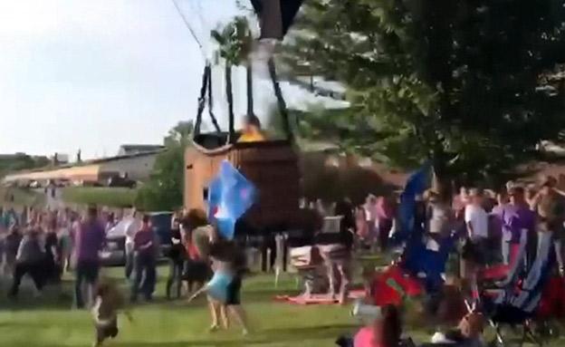 תיעוד: הכדור הפורח מתרסק, המבקרים בורחים (צילום: CNN, חדשות)