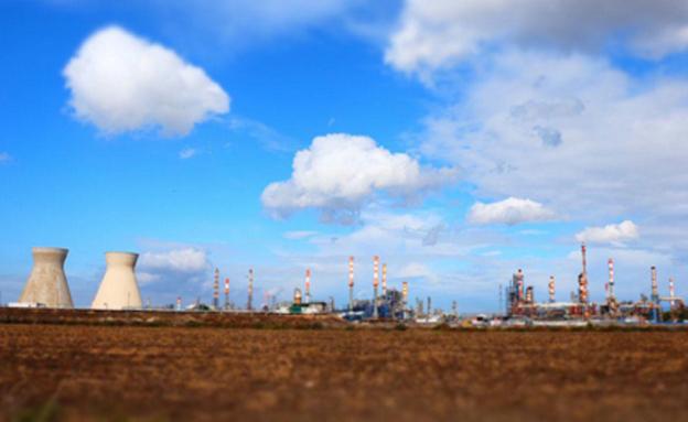 בתי זיקוק, מפרץ חיפה (צילום: חיים ריבלין, חדשות)