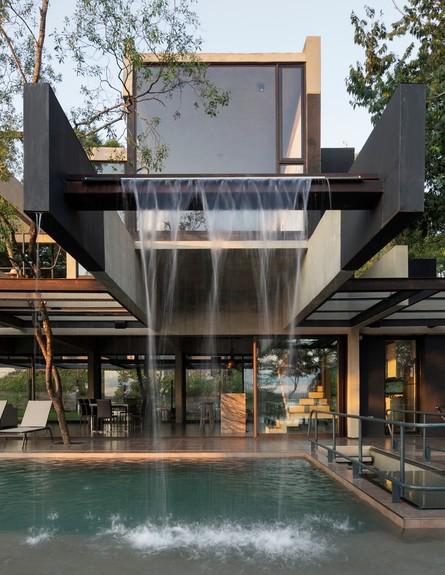 הבית באלכסון בפרגוואי (צילום: Federico Cairoli)