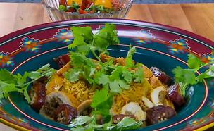 """אורז עם רולדת עוף ממולאת (צילום: מתוך """"מאסטר שף 8"""", שידורי קשת)"""