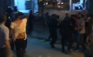 הרגעים לאחר הירי הקטלני (צילום: התקשורת הפלסטינית, חדשות)