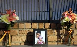 """אוסקר רמירז מאל סלוודור שטבע בדרך לארה""""ב (צילום: Loren Elliott/Reuters, חדשות)"""