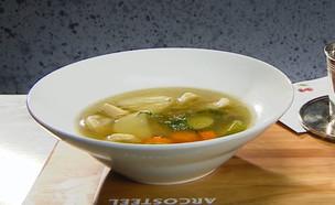 מרק עוף עם קרפלך ושקדי מרק ביתיים (צילום: מאסטר שף, שידורי קשת)