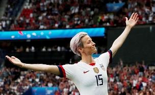 """מייגן רפינו, קפטנית שותפה בנבחרת הנשים של ארה""""ב (צילום: רויטרס, חדשות)"""