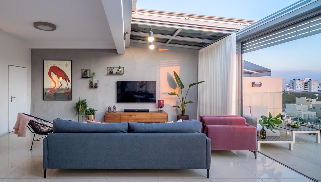 דירה בגבעתיים, עיצוב סטודיו LOROS TLV, סלון