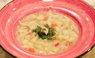 """דושפרה - מרק תפוחי אדמה עם כיסוני תפוחי אדמה (צילום: מתוך """"מאסטר שף 8"""", שידורי קשת)"""