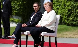 מנהיגות גרמניה ודנמרק - יושבות (צילום: AP, חדשות)