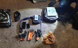 הציוד שנתפס ברשות החשודים (צילום: דוברות המשטרה, חדשות)