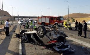 זירת התאונה סמוך למצפה יריחו, היום (צילום: דוברות המשטרה, חדשות)