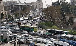 מהיום: פקקי ענק בכניסה לירושלים, ארכיןו (צילום: החדשות)