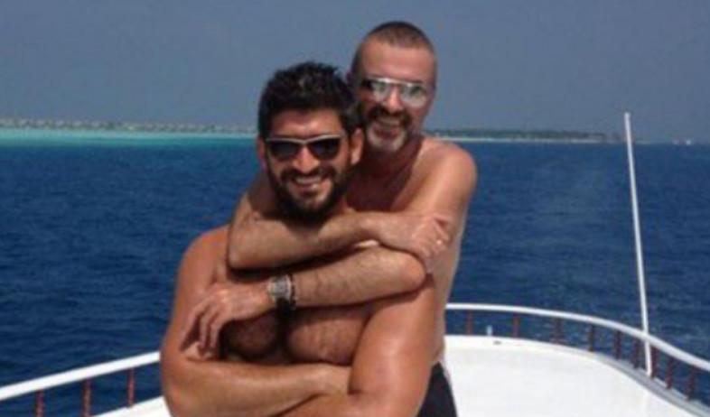 ג'ורג' מייקל ובן זוגו (צילום: מעמוד הטוויטר של ג'ורג' מייקל)