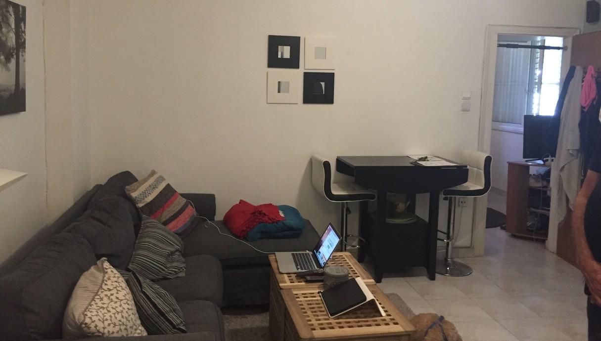 דירה בתל אביב, עיצוב אורית דרום, סלון לפני שיפוץ