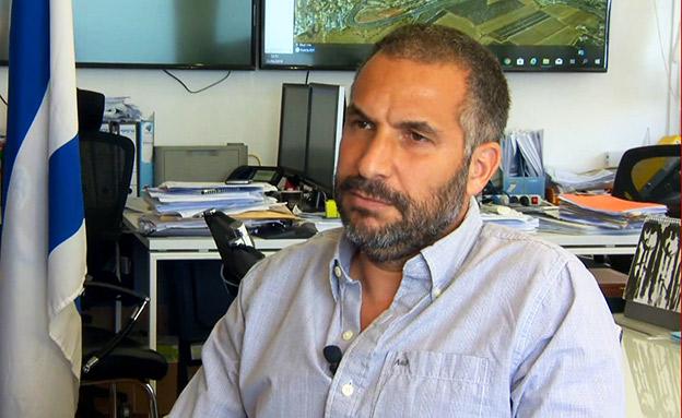 הדיון הסוער במועצת העיר טבריה (צילום: החדשות)