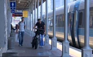 סוף להעלאת אופניים לרכבת? (צילום: החדשות)