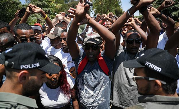 מחאה על שחרור השוטר ממעצר בית (צילום: יונתן זינדל, פלאש 90, חדשות)