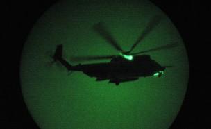 """כוחות ארה""""ב באוויר (צילום: John Moore / GettyImages)"""