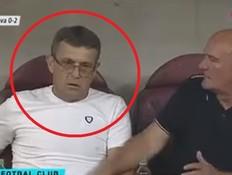 בשידור חי: המאמן חוטף דום לב ומתמוטט במגרש