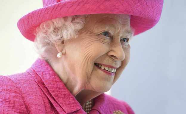 המלכה אליזבת השנייה (צילום: AP)