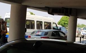 החשודים בקפריסין מובאים להארכת מעצר (צילום: חדשות)
