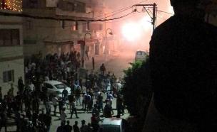 תיעוד מהקטטה ברהט, הלילה (צילום: דוברות המשטרה, חדשות)