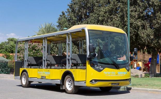האוטובוס הצהוב (צילום: אורי אקרמן)