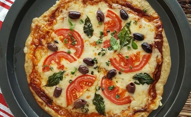 פיצה טונה (צילום: רון יוחננוב, אוכל טוב)