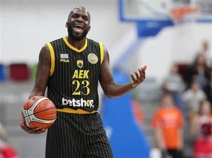 חדש באדום. גריפין (FIBA) (צילום: ספורט 5)