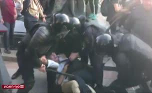 מאות מפגינים נעצרו באלימות ברוסיה (צילום: חדשות)