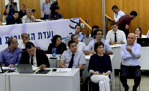 דיון בוועדת הבחירות על הצבת מצלמות בקלפיות  (צילום: ערוץ הכנסת)