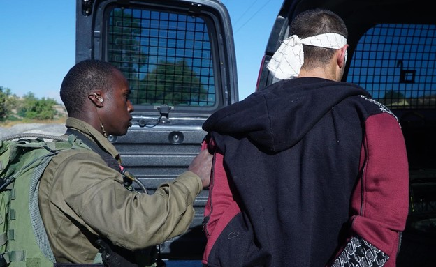 """תיעוד מעצרם של המחבלים שרצחו את דביר (יהודה) שורק  (צילום: דובר צה""""ל )"""