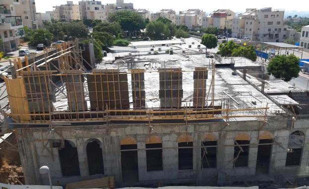 בית הכנסת החדש של קהילת מאור שרגא באלעד (צילום: יהודה אייזיקוביץ')