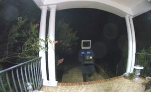 משאיר טלוויזיות (צילום: צילום מסך, יוטיוב)