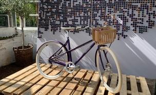 האופניים של חברת נספרסו (צילום: ינון בן שושן, NEXTER)