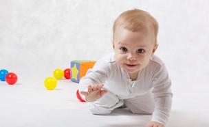 תינוק  (צילום: shutterstock, Nadezda Barkova)