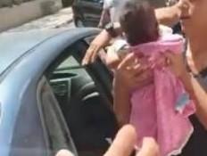 פעוטה ננעלה ברכב בבאר שבע (צילום: מאקו)