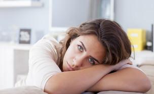 בחורה עצובה (צילום: Nikodash, shutterstock)