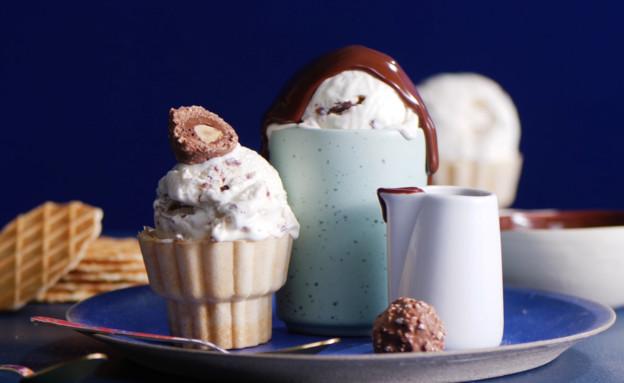 גלידת מסקרפונה פררו רושה ביתית (צילום: יחסי ציבור, מחלבות גד)