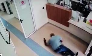חטף התקף לב בכניסה לטרם בכרמיאל (צילום: חדשות)