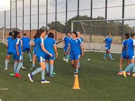 הכדורגלניות, באימון המסכם הערב (צילום: ספורט 5)