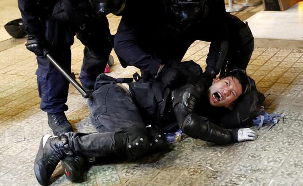 מחאות אלימות בהונג קונג