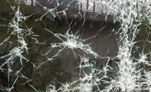 זכוכית מנופצת (צילום: אינסטגרם\graffitiartmagazine)