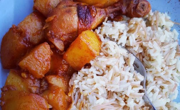 צלי עוף עם תפוחי אדמה אמא של שבת (צילום: יונית סולטן צוקרמן, אוכל טוב)