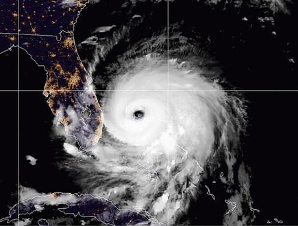 הסופה מתקרבת לפלורידה