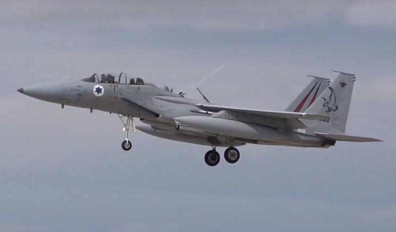 המטוס בפעולה (צילום: Graham Baglin@YouTube)