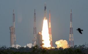 שיגור החללית צ'אנדריאן 2 (צילום: רויטרס)